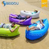 防水キャンプの空気ソファーの膨脹可能な寝袋浜のベッド
