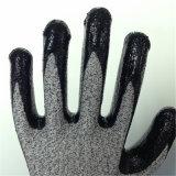 スムーズなニトリル上塗を施してあるHppeまたはガラス繊維の手袋