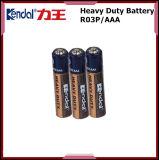Pila seca de la batería Um4 1.5V del carbón de la batería R03 del AAA en el embalaje de la bandeja del papel