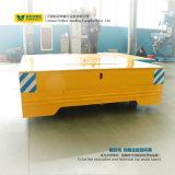 Большая таблица моторизовала материальную вагонетку перехода используемую в индустрии крана