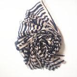Écharpe estampée par mode de polyester avec la piste irrégulière (HM01)