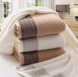 タオルのホテルの表面タオルの100%年の綿(300-550GSM)
