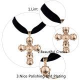 Monili Pendant di cristallo trasversali dorati femminili della collana del Choker del velluto di modo brevi