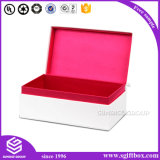 香水ギフト用の箱のあたりで包む装飾的なチョコレート服装の宝石類