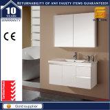 Мебель шкафа ванной комнаты лака высокого лоска белая с зеркалом