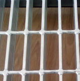 Grating de aço galvanizado forma serrilhado para o lote de estacionamento