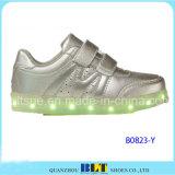 Chaussures occasionnelles des chaussures DEL d'enfants de nouveau produit