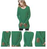 I reticoli di colore hanno lavorato a maglia il maglione del cachemire