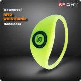 Wristbands senza contatto del silicone RFID di HF di prezzi bassi