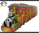 Recorrido eléctrico poco tren sin rieles de la diversión del tren