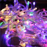 A corda de cobre do diodo emissor de luz ilumina luz de Natal a pilhas