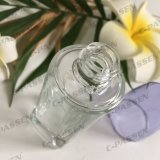 30mlは取り除くAlumiteの化粧品(PPC-GB-013)のための紫色のローションポンプを搭載するガラスクリーム色のびんを
