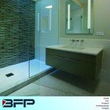 Simplifique o gabinete de banheiro personalizado com gabinete de parede e pia de espelho