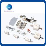 Sostenedor plástico cilíndrico del fusible del montaje del carril del estruendo de la baja tensión para la conexión del fusible de 10X38 14X51 22X58