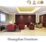 A mobília econômica do hotel ajustou-se (HD212)