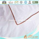 Edredón sintetizado blanco del consolador sintetizado de lujo
