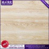 中国の製品によって艶をかけられる磁器のタイルの磨かれた磁器の赤いタイル張りの床