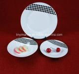 Padellame progettato italiano bianco di Cerimic con il piatto di ceramica di Decaled degli ispettori bianchi neri semplici per il partito e la cerimonia nuziale
