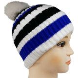 Теплой Beanie связанный зимой с вышивкой NTD1638