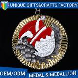 リボンの金メダルが付いている柔らかいエナメルの円形浮彫り