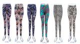 Calças magros impressas do nono comprimento da roupa de forma das mulheres