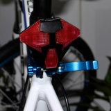 Indicatore luminoso senza fili di riciclaggio ricaricabile di telecomando della parte posteriore astuta della bici del USB dei trasformatori con l'indicatore luminoso della coda del segnale di girata dell'altoparlante LED
