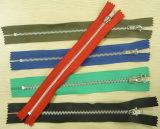Chiusura lampo di nylon poco costosa degli accessori dell'indumento