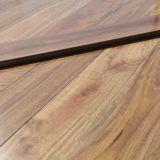 Clavar el suelo de madera sólido abajo manchado de la goma