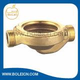 無鉛材料を収容する真鍮の水ポンプ