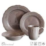 Insieme di ceramica antico del padellame