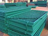 Зеленая загородка баскетбольной площадки звена цепи покрытия PVC, ячеистая сеть отверстия диаманта резвится загородка суда