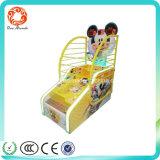 Mickey embroma la máquina de juego de fichas de baloncesto para el centro de juego de interior de la diversión de los niños