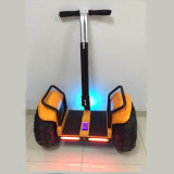 Form-intelligenter zwei Rad-Selbstbalancierender Roller-Golf-AutoChariot mit Bluetooth