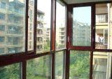 De Schuifdeur van het balkon