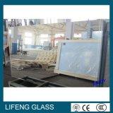 Het opgepoetste Glas van de Spiegel op de Spiegel van de Badkamers van de Spiegel van het Glas