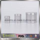 Alluminio con la scatola metallica vuota dei barattoli di latta