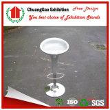 Белый стул для будочки выставки