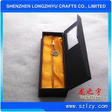 Signets en métal avec le cadeau de souvenir de boîte-cadeau et d'argent d'émail de logo de coutume