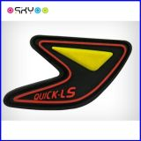 Personalizzare il contrassegno molle dei vestiti del silicone del PVC di disegno 3D con il marchio di marca