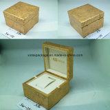 Alto contenitore di vigilanza di legno lucido con l'inserto del velluto o dell'unità di elaborazione