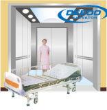 Conveniente enfrente del elevador de la cama de hospital de la puerta
