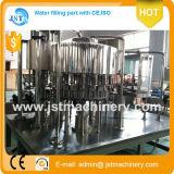 Ligne de Laver-Remplir-Capsulage de l'eau minérale