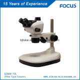 Microscópio com estágio de trabalho