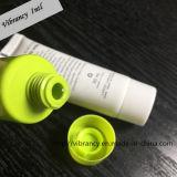 Verschiedene Duftstoff-Farben-preiswertes Großhandelshotel-Haar-Shampoo im Gefäß