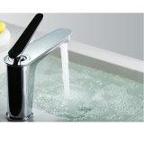 Санитарной Faucet тазика ванной комнаты крома изделий латунной установленный палубой