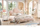 Jogos de quarto reais luxuosos franceses da base do couro branco do estilo com mobília branca da madeira contínua (6011)