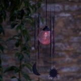 風チャイムが付いている太陽ハングのパチパチ鳴る音の球LEDライトは形づいた
