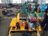 Azionamento della leva del verricello a motore del motore diesel in avanti e funzionamento d'inversione