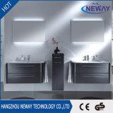 Neuer an der Wand befestigter Belüftung-wasserdichter Badezimmer-Schrank mit Spiegel