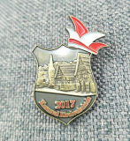 Bon insigne d'imitation en laiton bon marché de Pin d'émail